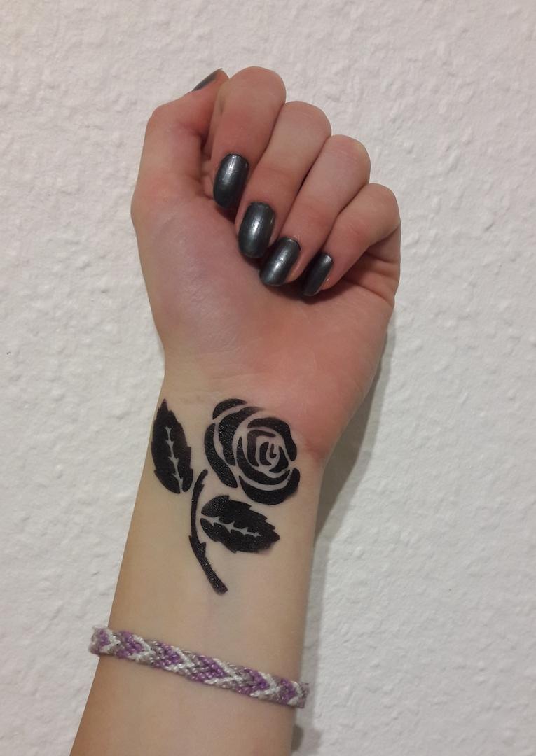 Allart Alla Bechler Künstlerin Airbrush Tattoos